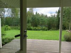 Saunan/kodinhoitohuoneen uloskäynnin teranssi