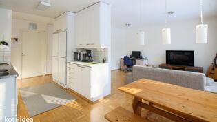 Olohuone sekä keittiö