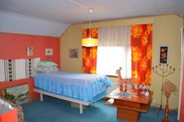 Makuuhuone 3 yläkerrassa, todella tilava