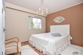 Kaunis ja valoisa päämakuuhuone