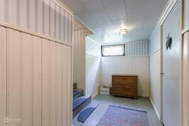 Pohjakerroksen aula