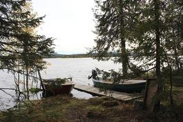 Laituri ja venepaikka
