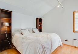 parvekkeellinen makuuhuone