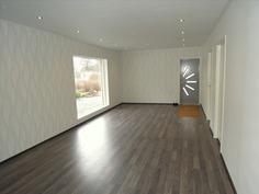 Olohuone, säädettävine kattovaloineen, käynti tera