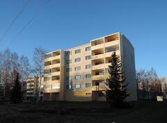 Parvekkeet Äyhönjärven suuntaan