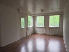 ... 2. makuuhuone, josta käynti myös kattotasanteelle! Yhdistämällä nämä kaksi kattohuoneistoa saadaan komea n. 165 m2 penthouse apartment-lukaali!