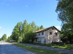 ... asuin- ja liikerakennus 1 km Harjavallan ydinkeskustasta kauniin Kokemäenjoen lähistössä ja sopii myös liikehuoneistokäyttöön!
