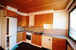 77m (2h+k+s) keittiö