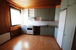 111m2 keittiö