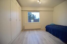 Makuuhuone 1(yläkerta)