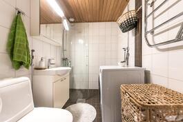 Kylpyhuone uusittu 2011
