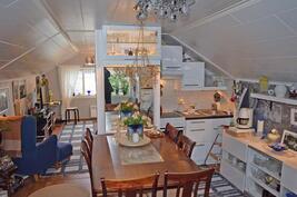 Yläkerran keittiötila