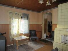 ...huoneesta! Kiinteistöllä asuinrakennus status, nyttemmin ollut ahkerassa ympärivuotisessa vapaa-ajan käytössä!