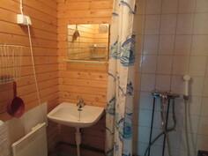 Lisäkuvaa kylpyhuone/wc-tilasta.