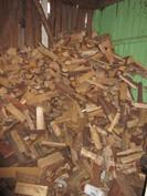 ...puurunkoinen puuvajarakennus, mutta ...