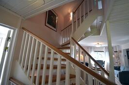 Yläkertaan portaat
