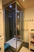 Höyrykaappi kylpyhuoneessa