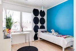 makuuhuoneissa on väriteemat; sininen huone