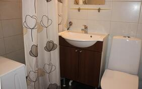 Kylpyhuone uusittu 2000-luvulla