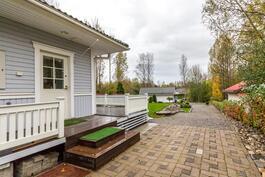 Sisäänkäynti kodinhoitohuoneeseen / Ingång till hemvårdsrum