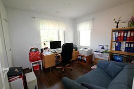 2. makuuhuone/työhuone