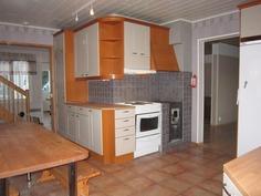 keittiössä pieni puuliesi