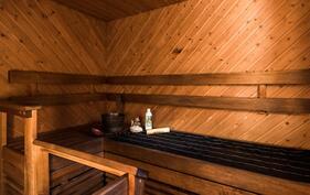 Oma tunnelmallinen sauna