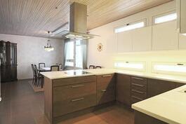 Uusittu 2012 keittiö