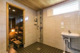 Pesuhuone ja sauna uusittu 2015( Remontti-Idea)