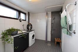 2009 uusittu kylpyhuone