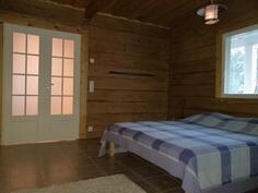 makuuhuone / takkahuone