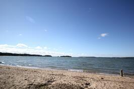 Mustfinnin uimaranta alle 1km