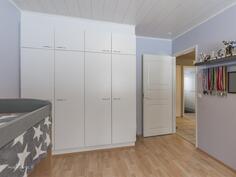 Makuuhuone (13,4 m2)