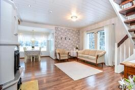 Ihanan kodin keskiö on avara olohuone-keittiöyhdistelmä!