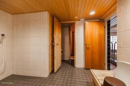 Yhtiön saunaosasto on myös remontoitu