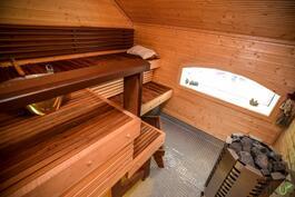 Sauna on upeasti toteutettu
