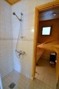 Pesuhuonetta ja saunaa