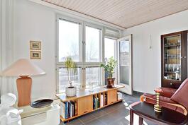 Viherhuoneessa ranskalainen parveke ja lattialämmitys / Grönrum med fransk balkong och golvvärme