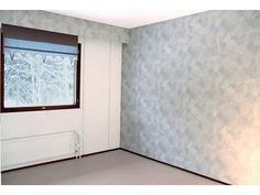 Yläkerran toinen tilava makuuhuone, jossa myös hyv
