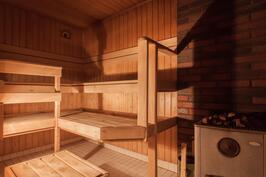 puukiukaalla lämpenevä sauna