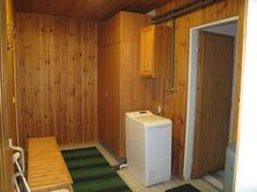 Kodinhoitohuone/pukuhuone