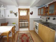 keittiö ja huone,mökistä 1
