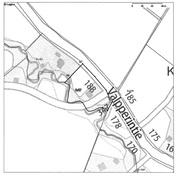 Tontti on 5980 m2 suuruinen. Rajana pellolle on puro.