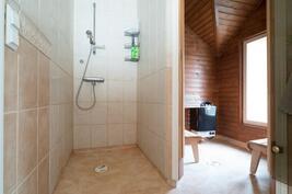 Sauna+kylpyhuone-Bastu+badrum