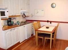 Huoltorakennuksen keittiö