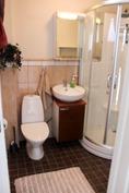 Huoltorakennuksen wc/suihku