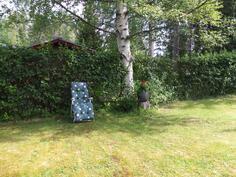Suojaisa levähähdyspaikka takapihalla