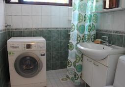 Kylpyhuone, missä ikkuna