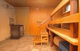 Sauna pohjakerroksessa