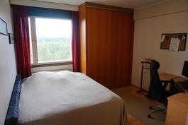 suurempi makuuhuone